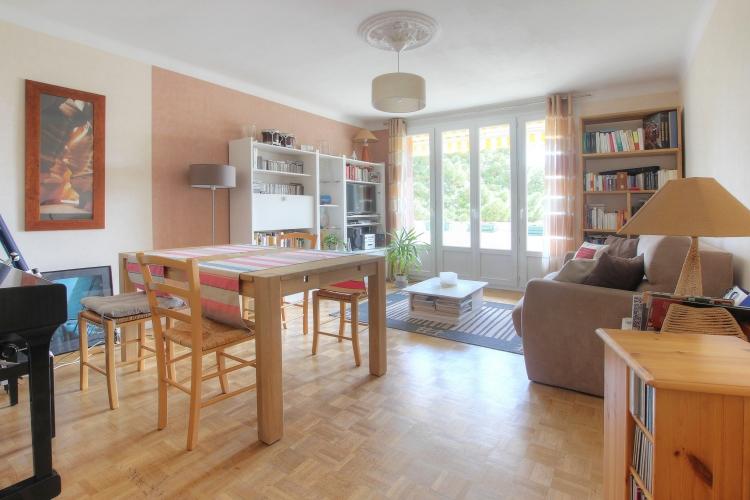 Appartement longchamps au dernier étage, 3 chambres